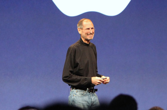 Memorial Service for Steve Jobs Brings Tributes from Family and Friends